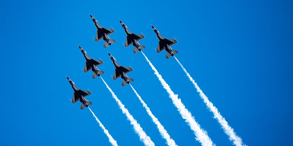 Thunderbirds Up Formation